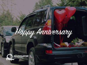 AlloyGator Happy Anniversary Car with Heart Balloon Gift Card Design